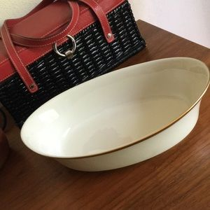"Lenox ""eternal"" pattern oval serving dish - NWT"